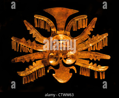 Headdress Ornament 1st–7th century Colombia Culture Calima - Yotoco Gold  H. 8 5/8 in. (21.9 cm) Colombian - Stock Photo