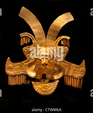 Headdress Ornament 1st–7th century Colombian Colombia Calima ( Yotoco )  Gold  H. 10 x W. 9 3/8 in. (25.4 x 23.8 - Stock Photo