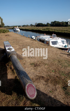 Old section of mast from the pleasure wherry Hathor on the Wherryman's Way at Chedgrave Common, near Loddon, Norfolk, - Stock Photo