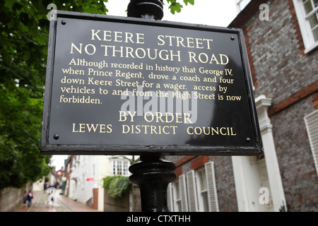 Keere Street in Lewes, East Sussex, England. - Stock Photo