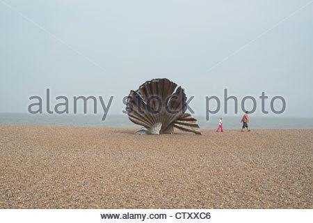 Scallop sculpture by Maggi Hambling at Aldeburgh - Stock Photo