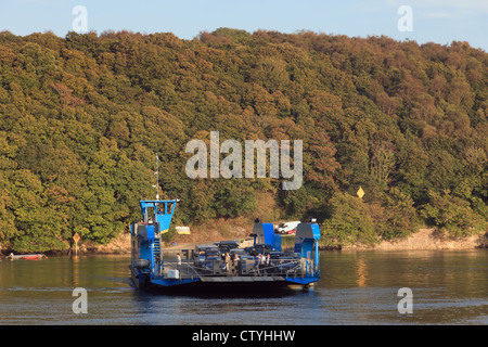 King Harry chain ferry ferrying cars across the Fal River to Foeck, Cornwall, England, UK, Britain - Stock Photo