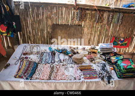 Indian crafts and arts on sale in San Blas - Stock Photo