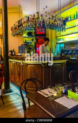 Le Canal Paris Caf Ef Bf Bd Bar