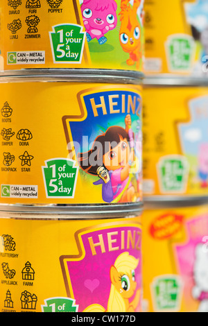 1 of your 5 a day label on tins of Heinz Pasta Shapes for children - Stock Photo