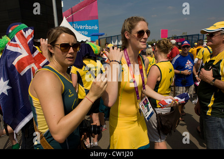 Reserve goalkeeper Ashlee Wells and fellow-members of the Australian Women's Hockey team emerge after their 2-0 - Stock Photo