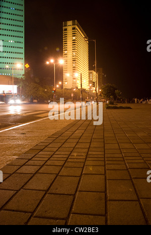 Vast stretch of deserted pavement with Trident Hotel in the Background - Nariman Point, Mumbai, Maharashtra, - Stock Photo