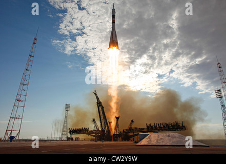Soyuz TMA-05M rocket launches from the Baikonur Cosmodrome in Kazakhstan carrying Expedition 32 to International - Stock Photo