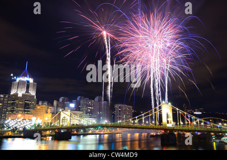 Fireworks on the Allegheny river in downtown Pittsburgh, Pennsylvania, USA. Stock Photo