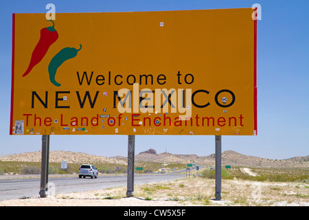Welcome to New Mexico road sign located along interstate 10 on the Arizona, New Mexico state border, USA. - Stock Photo