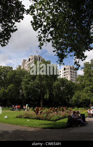 The Victoria Embankment Gardens are a series of gardens on the north side of the River Thames between Blackfriars - Stock Photo