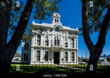 The old Mono County Courthouse in Bridgeport California - Stock Photo