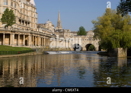 Bath: view of Pulteney Bridge on River Avon - Stock Photo