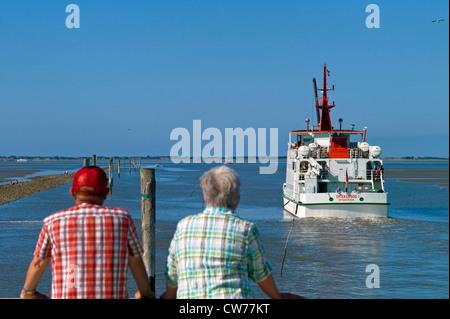 ship left Neuharlingersiel to Spiekeroog Island, Germany, Lower Saxony, Neuharlingersiel