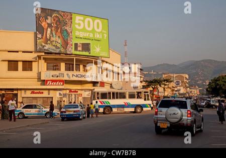 street scene at the capital with small shops near the main market, Burundi, Bujumbura Marie, Bujumbura - Stock Photo