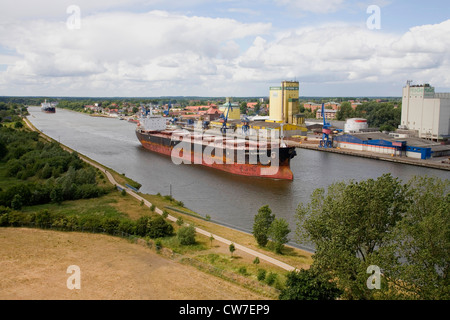 cargo ship MV Luise Oldendorff in the Kiel Canal, Germany, Schleswig-Holstein - Stock Photo