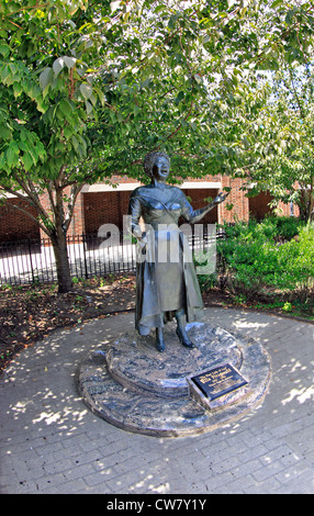 Famous American jazz singer Ella Fitzgerald statue in her hometown ...