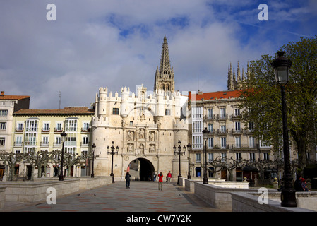 The arch of Santa Maria (Arco de Santa Maria), with the Cathedral in the background, in Burgos, Spain. - Stock Photo