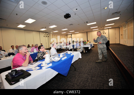 U.S. Air Force Maj. Gen. Lawrence Wells speaks to civic leaders at the Carolina Skies Club, Shaw Air Force Base, - Stock Photo