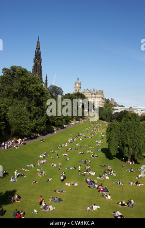 princes street gardens on a hot summers day in edinburgh scotland uk united kingdom - Stock Photo