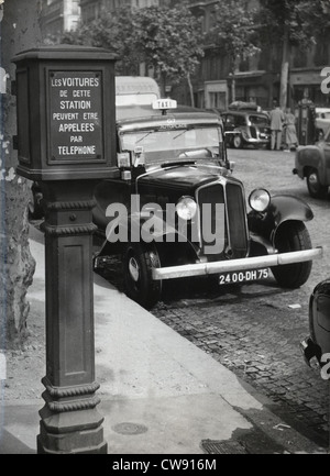 A marker to send for a taxi in Paris, 1955 - Stock Photo