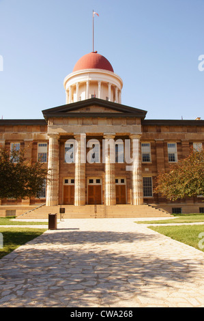 old capitol building springfield illinois old-fashioned fashioned antiquarian archaic classic obsolete olden - Stock Photo