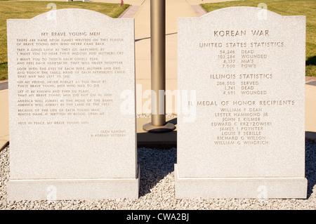illinois korean war memorial monument oak ridge cemetary springfield dead missing black granite walls central - Stock Photo