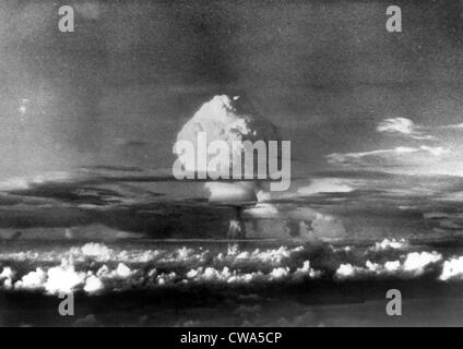 Atomic energy: An explosion of the H-Bomb during testing in the Marshall Islands, 1952.. Courtesy: CSU Archives - Stock Photo