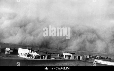 A dust storm hits Springfield, Colorado, 1936. Courtesy: CSU Archives/Everett Collection - Stock Photo