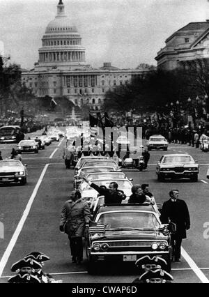 U.S. President Richard Nixon and First Lady Pat Nixon (in car) during the inaugural parade for his second term, - Stock Photo