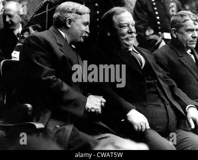 Foreground left: Governor of Michigan Fred Warner, President William Taft, 1912.. Courtesy: CSU Archives / Everett - Stock Photo