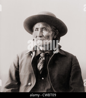 Geronimo (1829-1909), Chiricahua Apache warrior in 1898, when he was held with his family at Fort Sill, Oklahoma. Stock Photo