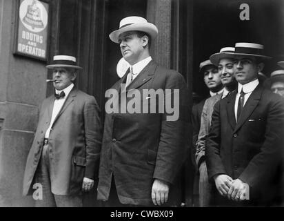 Corrupt New York City police Lieutenant Charles Becker (center) was executed in 1915, in the Sing Sing Prison electric - Stock Photo