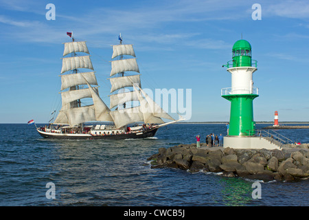 lighthouse at the mouth of river warnow warnemuende rostock stock photo royalty free image. Black Bedroom Furniture Sets. Home Design Ideas
