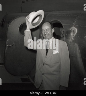 1952 presidential nominee Adlai Stevenson arriving at the Democratic National Convention, Chicago. After his defeat - Stock Photo