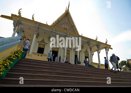 Horizontal view of the grand entrance to the Throne Hall at the Royal Palace in Phnom Penh, Cambodia - Stock Photo