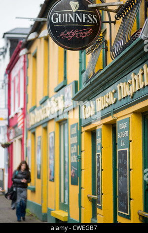 Local pub in Dingle town, Dingle Peninsula, County Kerry, Republic of Ireland. - Stock Photo