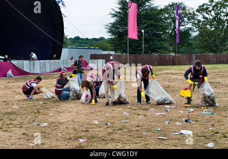 Wilderness Festival 2012, Cornbury, UK. Clearing up the morning after the festival - Stock Photo