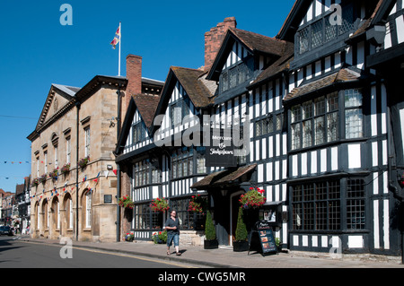 The Mercure Shakespeare Hostelrie medieval hotel and Town Hall formerly the market hall High Street Stratford upon - Stock Photo