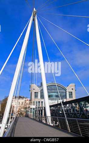Hungerford Bridge over the River Thames and Charing Cross Railway Station, Central London, England, UK - Stock Photo
