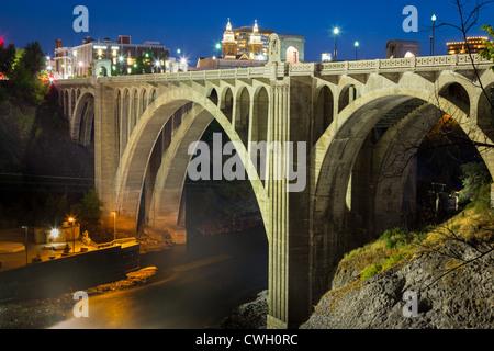 Monroe Street bridge in Spokane, Washington at night - Stock Photo