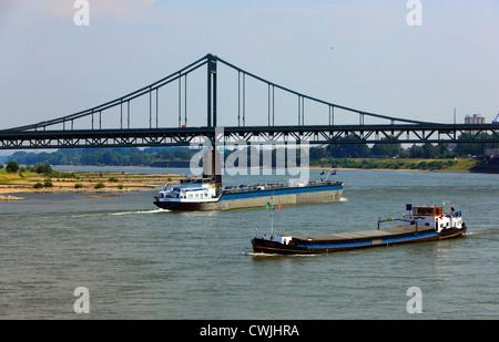 D-Krefeld, Rhine, Lower Rhine, Rhineland, North Rhine-Westphalia, NRW, D-Krefeld-Uerdingen, Rhine bridge between - Stock Photo