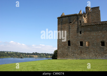 linlithgow palace and loch west lothian scotland - Stock Photo