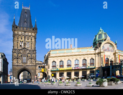 Prasna brana a Obecni dum, Stare Mesto (UNESCO), Praha, Ceska republika - Stock Photo