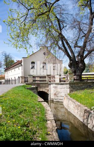 Pocernicky mlyn, Zamecky park, Dolni Pocernice, Praha, Ceska republika - Stock Photo