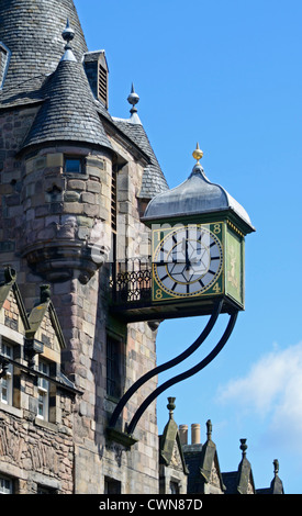 The clock on Canongate Tolbooth. The Royal Mile, Edinburgh, Mid Lothian, Scotland, United Kingdom, Europe. - Stock Photo