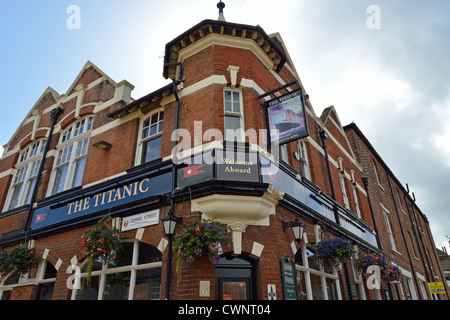 The Titanic Pub, Simnel Street, Old Town, Southampton, Hampshire, England, United Kingdom - Stock Photo