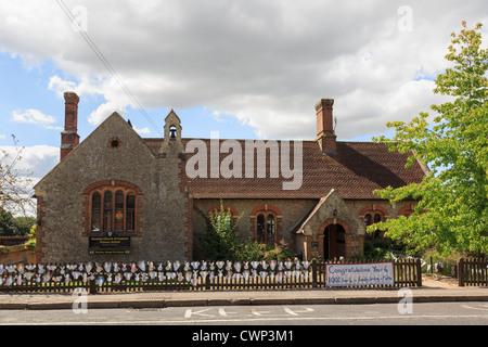 Pluckley Village Church Kent England Uk Stock Photo