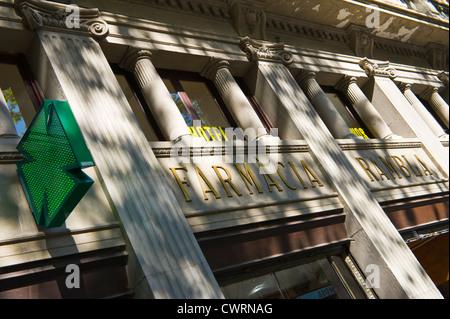 Barcelona ramblas. Exterior of Farmacia Rambla chemist shop on Las Ramblas in Barcelona, Catalonia, Spain, ES - Stock Photo