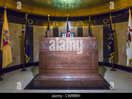 The tomb of President Abraham Lincoln, Oak Ridge Cemetery, Springfield, Illinois, USA - Stock Photo